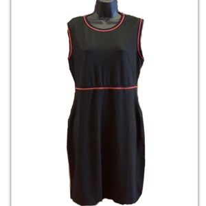 Black and red sleeveless dress with pockets! Sz L